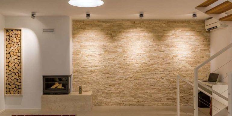 6The luxurious interior, Tribunj