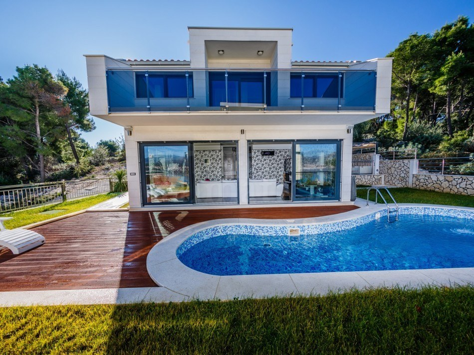 For sale modern villa with swimming pool on the island - Houses for sale with a swimming pool ...