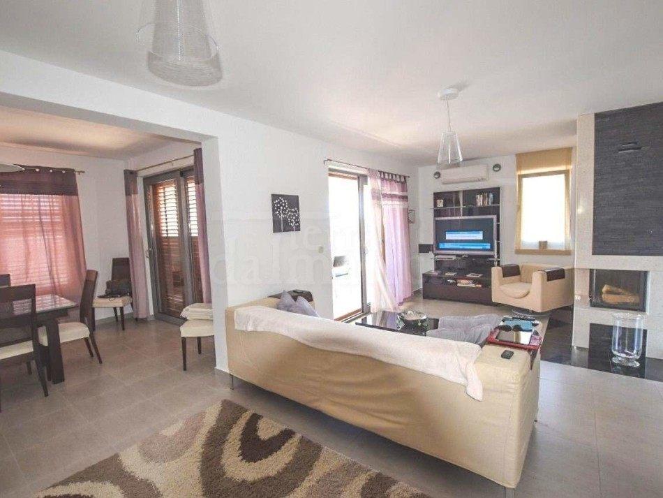 villa in sevid - Kamin Villa Design