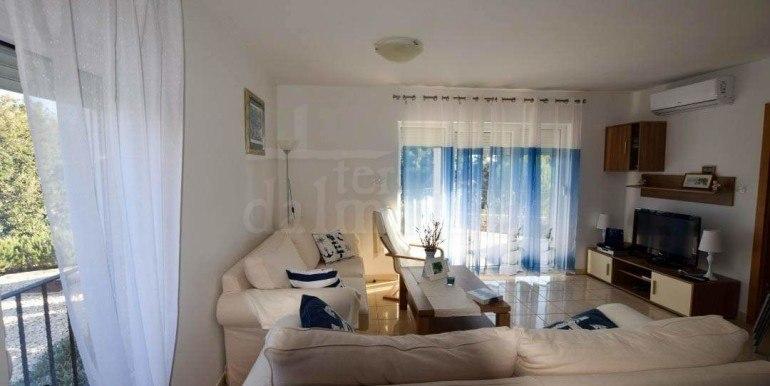 apartman-za-prodaju-rogoznica